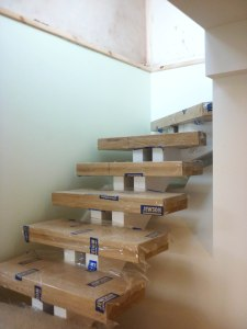 Flaoting staircase 8 treads covered